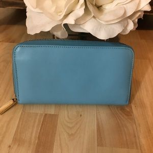 Tory Burch Bags - Tori Burch turquoise wallet with zip all around